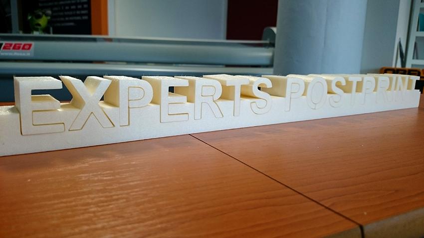 Découpe lettrages, ensiegnes, volumes 3D